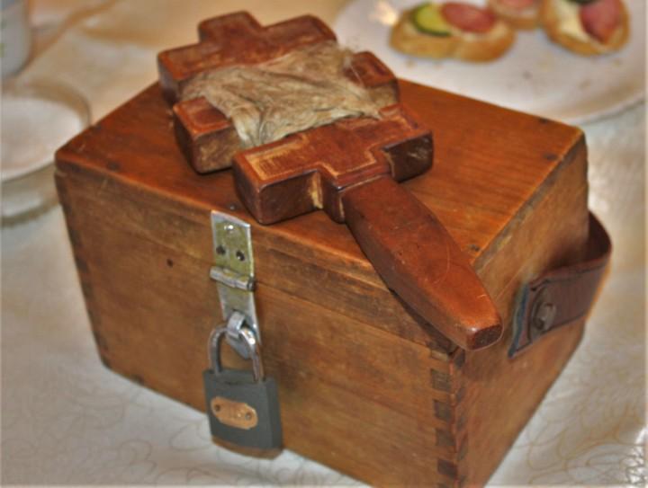 Колядницький хрест з повісмом та «